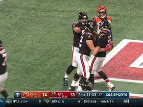 Matt Ryan lofts perfect throw to Logan Paulsen for TD