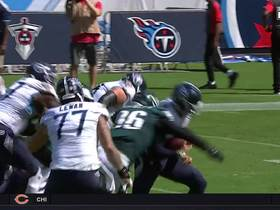 Derek Barnett bull rushes Marcus Mariota for sack