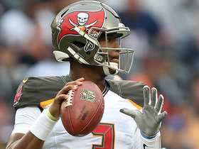 Jameis Winston completes his first pass of 2018
