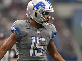 Golden Tate refuses to go down on 35-yard catch and run