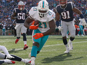 Frank Gore bulldozes his way for 6-yard touchdown catch