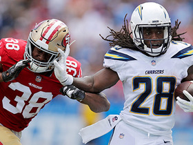 Melvin Gordon can't stop breaking tackles on 34-yard run