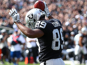 Derek Carr finds wide open Amari Cooper for 31 yards