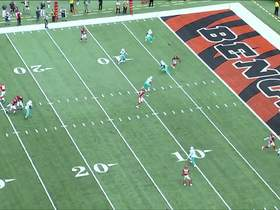 Alonso snags Dalton's tipped pass for INT