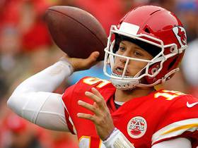 Mahomes shows incredible patience on 33-yard pass to Watkins