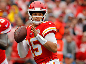 Mahomes throws first INT of 2018