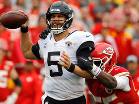 Dee Ford strip-sacks Bortles on first play after Mahomes' INT