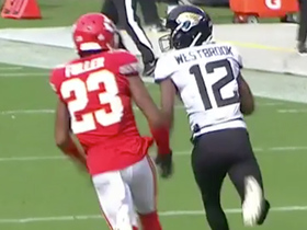 Dede Westbrook shows off his speed on 30-yard catch