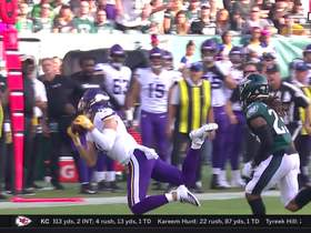Thielen lays out for 24-yard Cousins pass off back foot