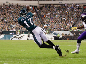 Jeffery gets separation for diving first-down catch