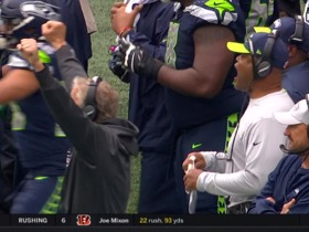 Pete Carroll ecstatic after missed extra point by Santos