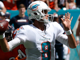 Brock Osweiler throws a dart to Jakeem Grant for a 25-yard catch and run