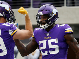 Murray throws wicked stiff arm on Vikings' first rush TD of 2018
