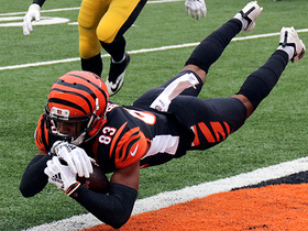 Tyler Boyd stretches for diving TD grab