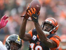 A.J. Green hauls in bobbled fingertip catch