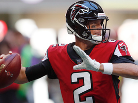Matt Ryan hits Austin Hooper in the flat for TD