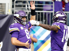 Cousins shows off dance moves after rushing TD