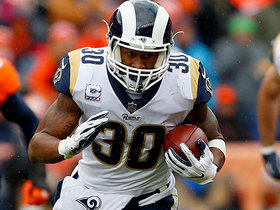 Gurley bursts through huge hole for 29 yards