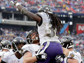 Alex Collins goes untouched for second TD of game