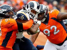 Gurley fights for first down in fourth quarter