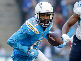 Keenan Allen runs perfect route to get open over the middle