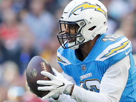Tyrell Williams stays inbounds on tight sideline catch