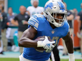 Kerryon Johnson breaks loose early for 24-yard gain