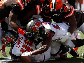 Trevon Coley stuffs Bucs' offense to start game with safety