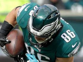 Zach Ertz extends for athletic grab over the middle for 22 yards
