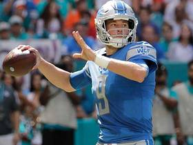 Matthew Stafford fires a laser to Michael Roberts for a 29-yard gain