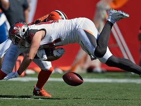 T.J. Carrie forces fumble to halt drive, Christian Kirksey recovers