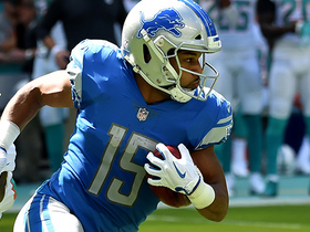 Golden Tate takes end around for a huge 30-yard gain