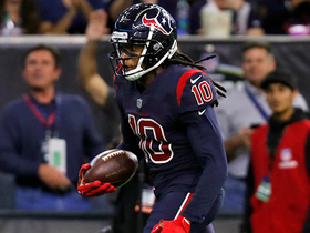 DeAndre Hopkins finds a gap, sprints into end zone