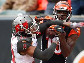 A.J. Green shows unbelievable ball skills on jump-ball TD