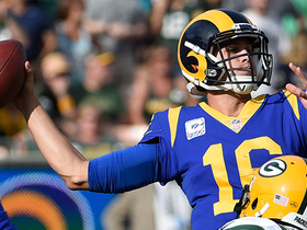 Goff throws perfect pass to Woods for first down