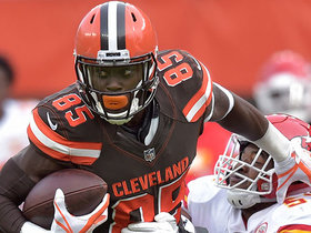 Njoku holds on to bobbled catch across the middle