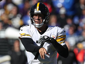 Big Ben turns broken play into 17-yard pass and catch