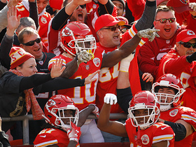 Tyreek Hill leaps into the stands to celebrate 37-yard TD