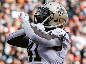 Kamara pays tribute to Dez after pinballing for TD
