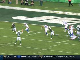 Crowell cuts to the outside for 5-yard TD run