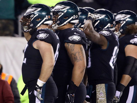 Eagles salute the crowd after Ertz's TD catch