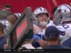 Vander Esch snags INT off pass deflected by Ridley