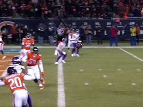 Stefon Diggs hauls in touchdown pass to keep comeback alive