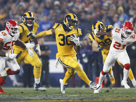 Gurley gashes Chiefs' D for 19 yards on screen play