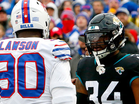 Fournette, Lawson ejected for scuffle after Moncrief catch