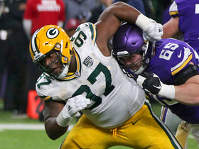 Kenny Clark gets clutch third-down sack to halt Vikes' drive