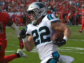 Newton slings pass to McCaffrey in the flat for 8-yard TD