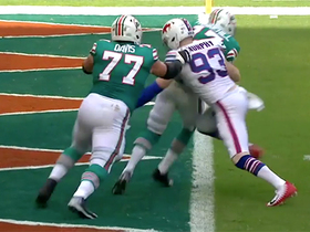 Trent Murphy bullrushes his way to sack Tannehill