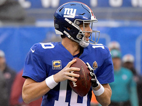 Manning delivers pass to OBJ over the middle for 20 yards