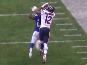 Helmet catch! Robinson traps ball on Webb's helmet for crazy 30-yard grab
